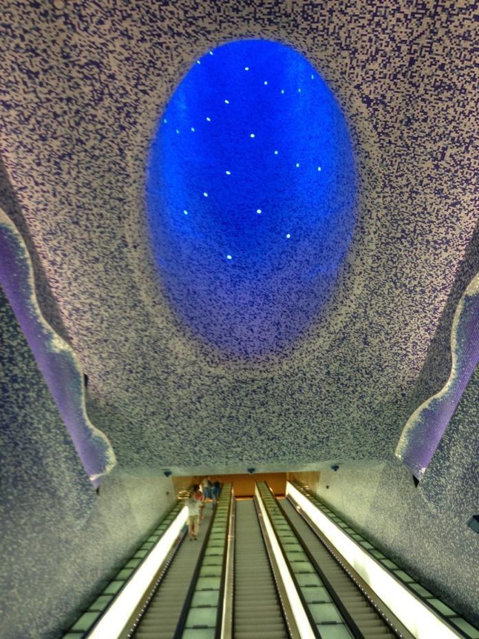 The mesmerizing view going down the Toledo metro station